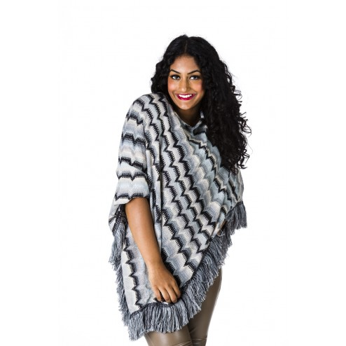 B-loved poncho in zwarte Missoniprint.