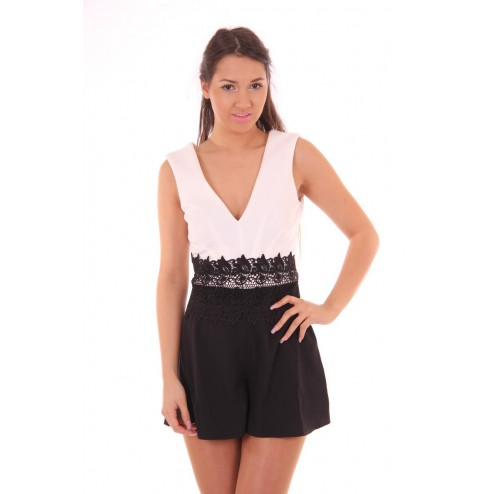 Lipsy London playsuit in zwart-wit