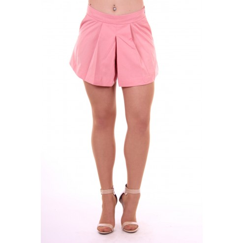 B.loved short in coral