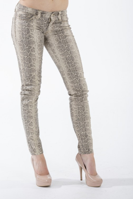 Sylvia's secret by SOS jeans, Snakeprint jeans in taupe.