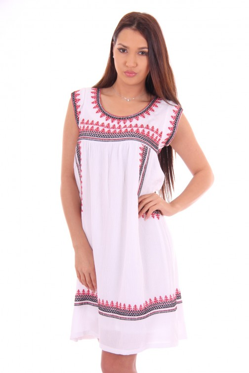 B.loved Boho dress in wit met borduursel