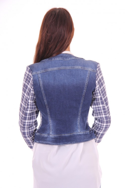 Kocca Gulik tweed jacket met jeans