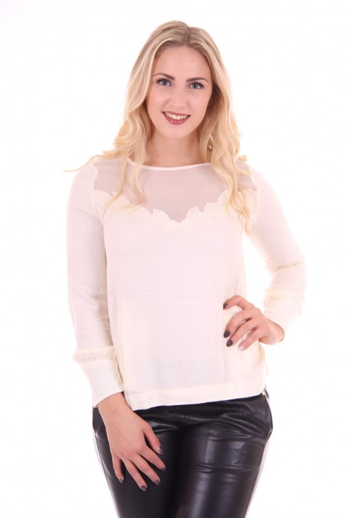 By Danie chifon top in star white