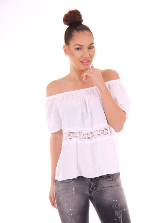 Witte summer top in off-shoulder model
