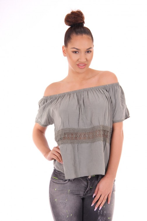 Army sumer top in off-shoulder model