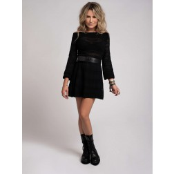 Nikkie Purdy offshoulder dress in zwart
